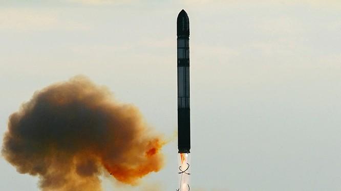 Tên lửa đạn đạo hạt nhân Sarmat khai hỏa
