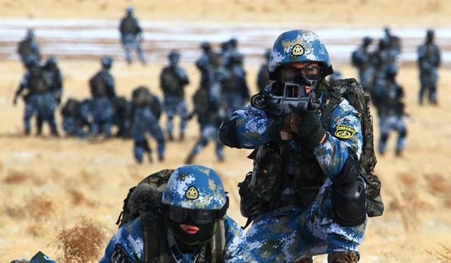 Lính thủy đánh bộ Trung Quốc trong một cuộc tập trận