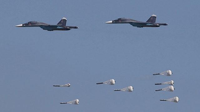Cường kích tối tân Su-34 Nga dội bom diệt mục tiêu trên chiến trường