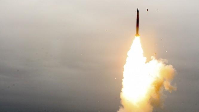 Tên lửa Nga khai hỏa trong một cuộc tập trận
