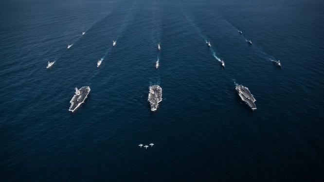 Cụm tác chiến tàu sân bay USS Theodore Roosevelt của hải quân Mỹ