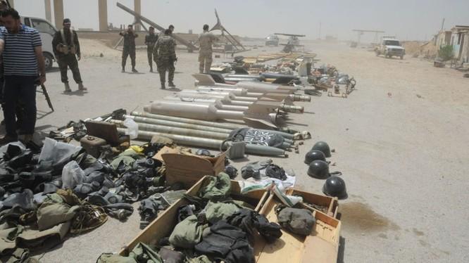 Một phần kho vũ khí của phe thánh chiến bị quân đội Syria thu giữ