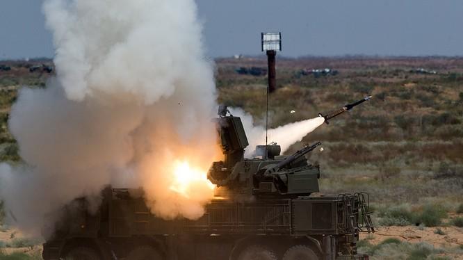 Hệ thống Pantsir khai hỏa bắn hạ mục tiêu