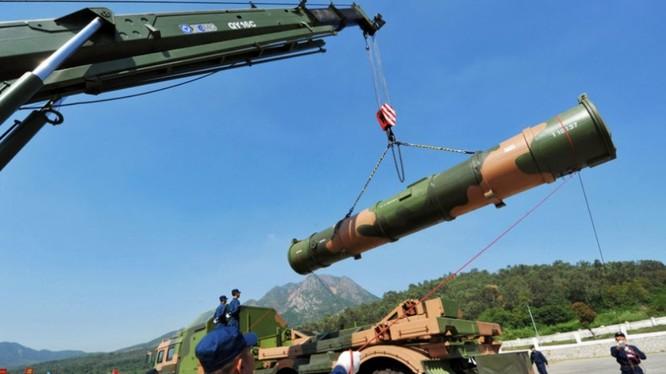 Tên lửa chống hạm YJ-12 của Trung Quốc