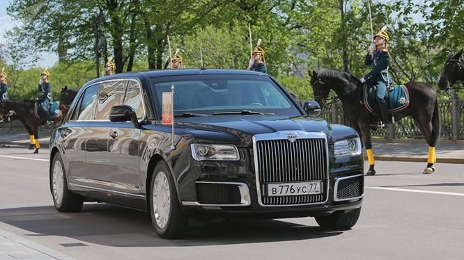 Chiếc xe chở tổng thống Putin trong lễ nhậm chức ngày 7/5