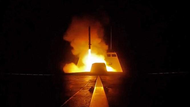 Chiến hạm Pháp phóng tên lửa tấn công Syria hôm 14/4