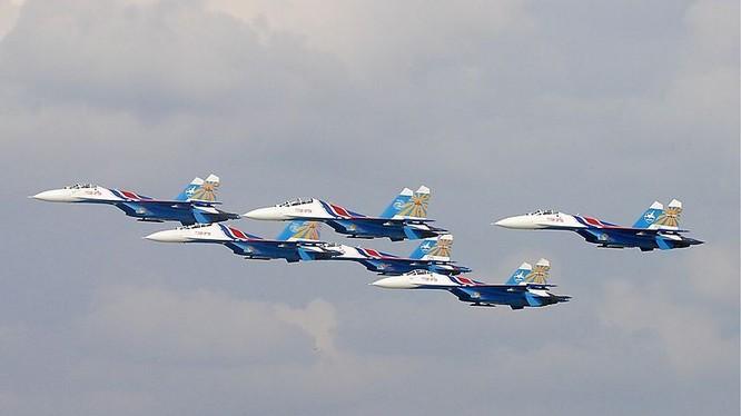 Phi đội Su-27 Tráng sĩ Nga nổi tiếng