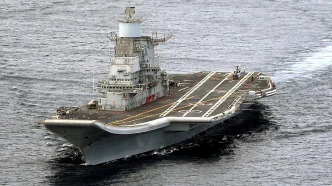 Tàu sân bay của hải quân Ấn Độ và nhiều vũ khí, trang bị của nước này có nguồn gốc từ Nga