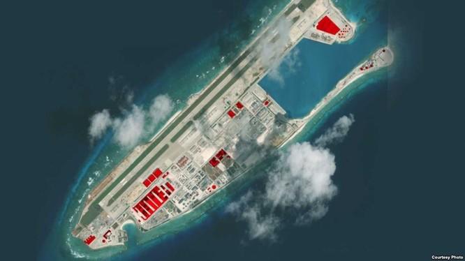 Đá Chữ Thập đã bị Trung Quốc bồi lấp thành đảo nhân tạo phi pháp với đường băng, cầu cảng, nhà chứa máy bay và các công trình quân sự kiên cố tại quần đảo Trường Sa