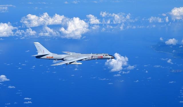 Máy bay ném bom chiến lược H-6K của Trung Quốc hoạt động trái phép ở khu vực Biển Đông, gây căng thẳng khu vực