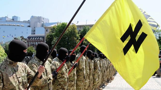 Nhiều tổ chức cực hữu xuất hiện tại Ukraine trong những năm gần đây cùng với tư tưởng bài Nga