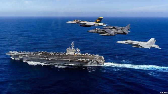 Cụm tác chiến tàu sân bay USS Carl Vinson của Mỹ tuần tra ở Biển Đông