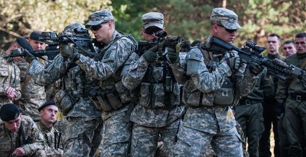 Cố vấn Mỹ huấn luyên binh sĩ Ukraine