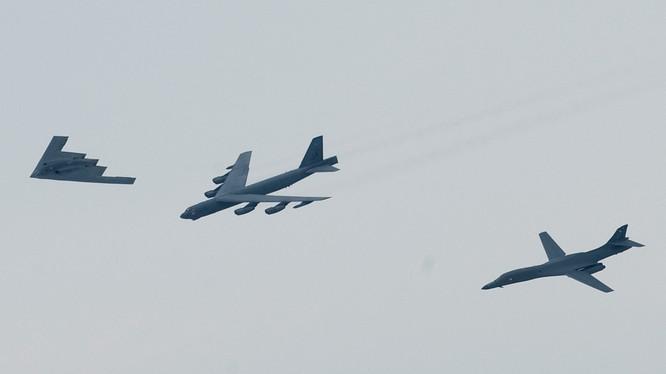 Mỹ từng điều cả bộ 3 máy bay tấn công chiến lược B-2 Spirit, B-1B và B-52 tới khu vực Biển Đông nhằm thị uy