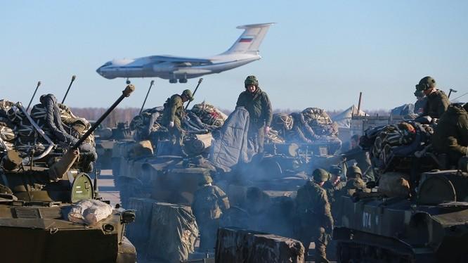 Quân đội Nga trong một cuộc tập trận