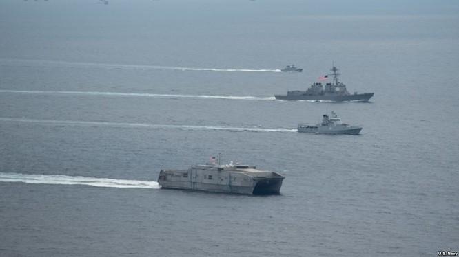 Hải quân Mỹ và Philippines bắt đầu tập trận trên Biển Đông