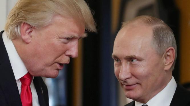 Ngày mai 16/7, hai nhà lãnh đạo Vladimir Putin và Donald Trump sẽ có cuộc gặp thượng đỉnh được cả thế giới chú ý