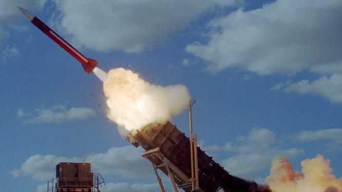 Tên lửa Patriot Israel khai hỏa