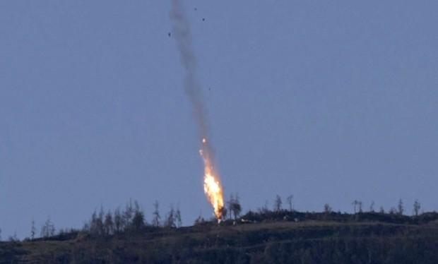 Cường kích Su-24 Nga bị bắn hạ tại Syria