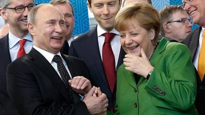 Ông Putin vừa có chuyến thăm Đức và hội đàm với Thủ tướng Merkel