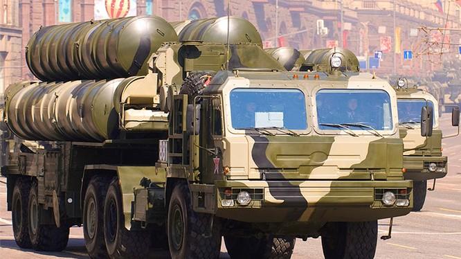 Tên lửa phòng không S-400 khét tiếng của Nga
