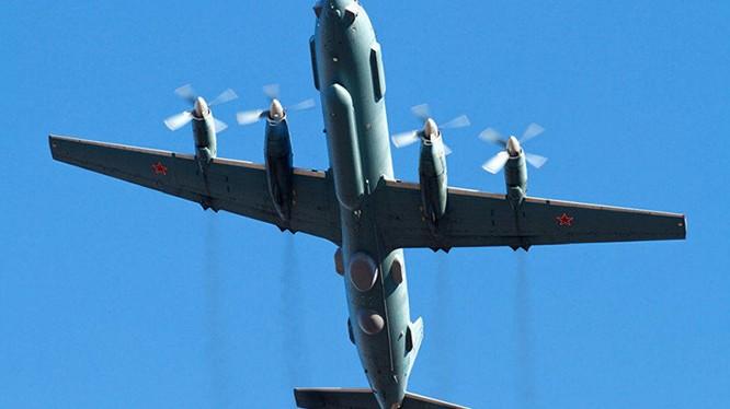 Máy bay trinh sát IL-20 của không quân Nga