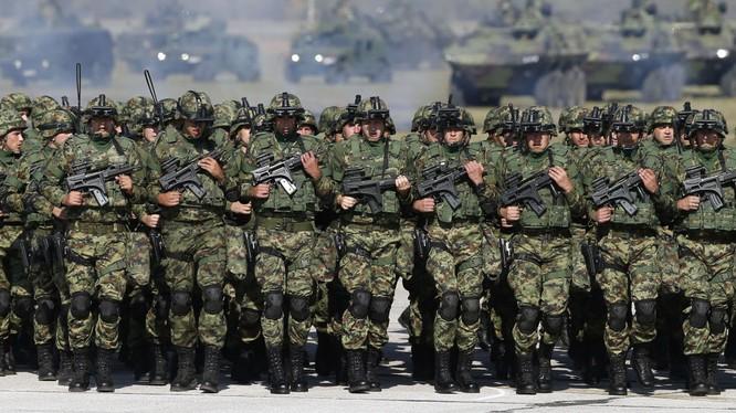 Binh sĩ quân đội Serbia