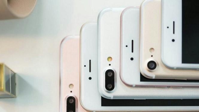 iPhone 7 và iPhone 7 Plus chưa thể cứu vãn một kết quả buồn đầu tiên của Apple đối với doanh số iPhone năm 2016 - Ảnh: FPT Shop