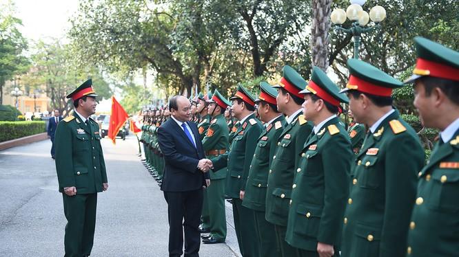 Thủ tướng tới thăm Sư đoàn 312 - Sư đoàn Chiến thắng