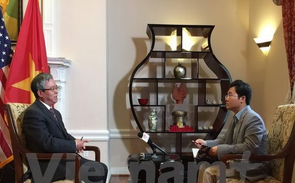 Đại sứ Phạm Quang Vinh trả lời phỏng vấn phóng viên TTXVN. (Ảnh: Thanh Tuấn/Vietnam+)