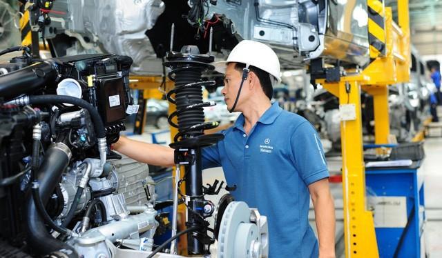 Cách mạng công nghiệp lần thứ 4 đã, đang và sẽ thay đổi lực lượng sản xuất, cơ hội và thách thức cho Việt Nam.
