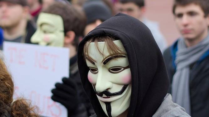 Nhóm hacker thuộc tổ chức Anonymous đã đánh sập 10.000 website thuộc thế giới ngầm Dark Web