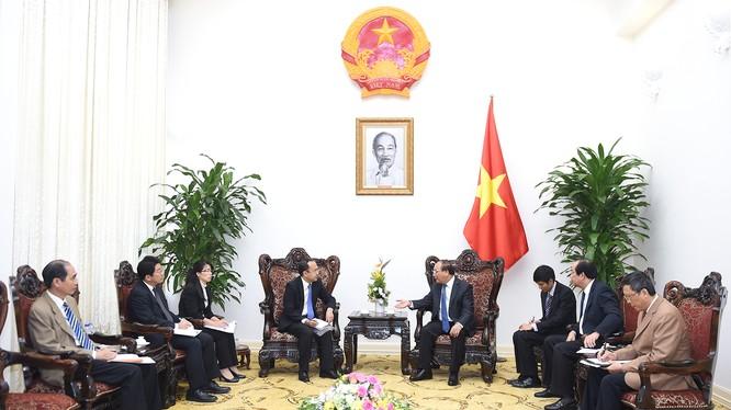 Thủ tướng Nguyễn Xuân Phúc tiếp ông Atsusuke Kawada
