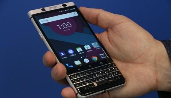 BlackBerry/TCL: Tháng trước, tại sự kiện CES, BlackBerry đã trình làng chiếc điện thoại có tên mã Mercury. Đây là sản phẩm đầu tiên giữa sự hợp tác của BlackBerry và TCL. Và có thể TCL sẽ thay thế BlackBerry giới thiệu chiếc điện thoại này tại MWC năm nay