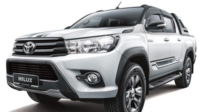 Toyota Hilux 2.4G AT limited có những khác biệt nhẹ ở ngoại thất.
