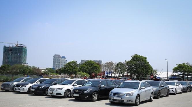Nhân kỉ niệm 2 năm thành lập Cruze Club, khoảng 70 chiếc Chevrolet Cruze của câu lạc bộ này đã có buổi gặp mặt vào cuối tuần qua tại Hà Nội. Theo chia sẻ của các thành viên, số lượng người tham gia buổi gặp gỡ này lên đến gần 200 người.