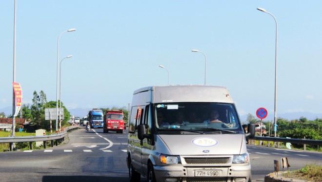 Nhiều doanh nghiệp vận tải đi qua địa phận Phú Yên phải đóng bảo kê