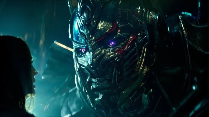 Optimus Prime bị người sáng tạo tẩy não