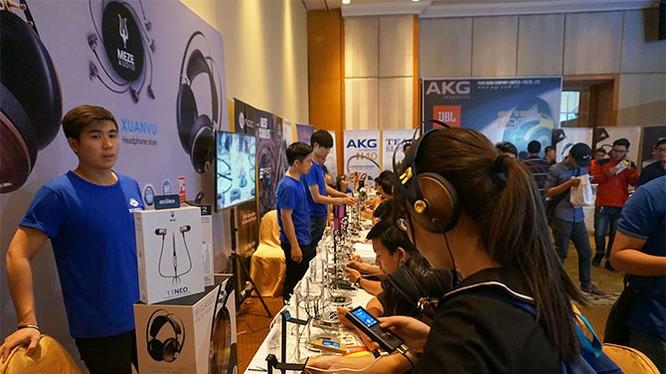 Meze Audio mở gian hàng giới thiệu ở triển lãm PAS 2017 chính thức gia nhập thị trường Việt Nam.