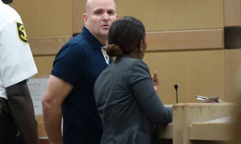 Ngồi tù 6 tháng vì không đưa mật khẩu iPhone cho cảnh sát