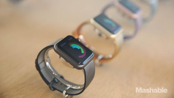 Đồng hồ thông minh không đứng trước ngưỡng cửa diệt vong như nhiều người đồn đoán. Ảnh:Mashable.