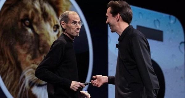 Steve Jobs và cậu học trò Scott Forstall