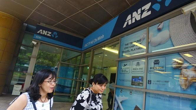Ngân hàng Shinhan Việt Nam đã mua lại mảng bán lẻ của ANZ tại Việt Nam. Trong ảnh: trụ sở Ngân hàng ANZ Việt Nam chi nhánh TP.HCM tại quận 1 - Ảnh: Quang Định