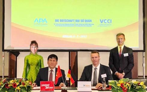 Lễ ký kết thoả thuận cung cấp tài chính giữa Tập đoàn GOAL và hãng hàng không Vietjet.