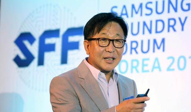 Ông ES Jung, phó chủ tịch điều hành tập đoàn Samsung - Ảnh: Reuters