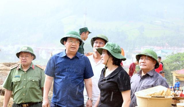 Lãnh đạo Chính phủ cùng Bí thư tỉnh uỷ Yên Bái Phạm Thị Thanh Trà chỉ đạo công tác cứu hộ tại hiện trường. Nguồn Dân trí