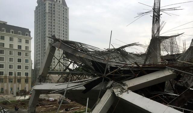 Khoảng 500 m2 Trường mầm non Vườn Xanh bị sụp đổ (Ảnh: Tiến Nguyên/Dân trí)