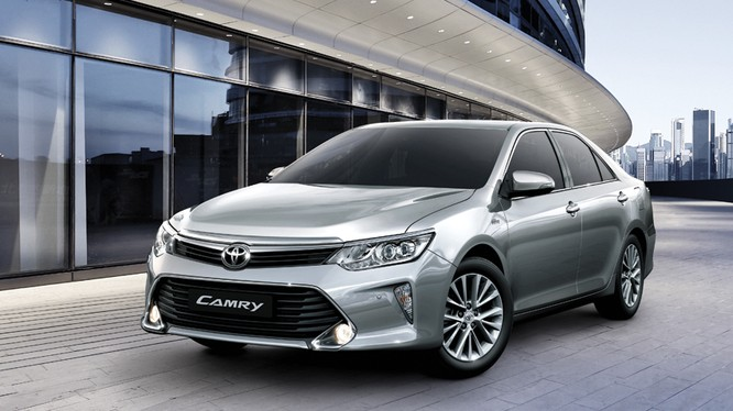 Mẫu Camry 2017 của Toyota. Ảnh: TMV