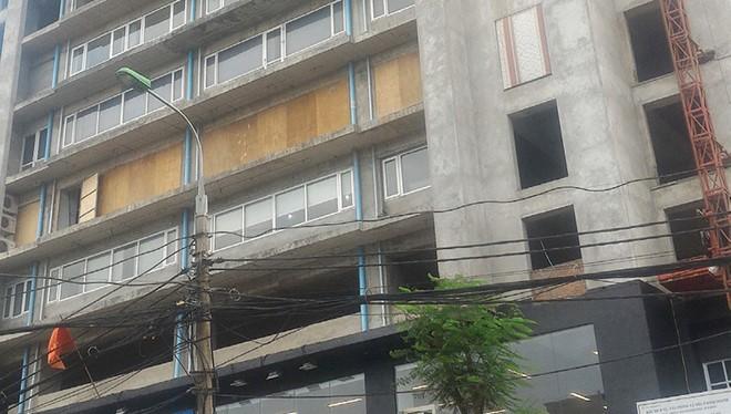 Cảnh nham nhở tại Dự án 131 Thái Hà gây mất mỹ quan đô thị tại trung tâm Hà Nội