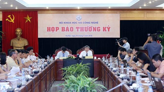Buổi họp báo của Bộ KH-CN